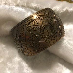 ☘️VTG Brass Etched Leaf Design Cuff Bracelet